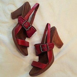 Anthropologie naya wood red heel sandal size 4.5